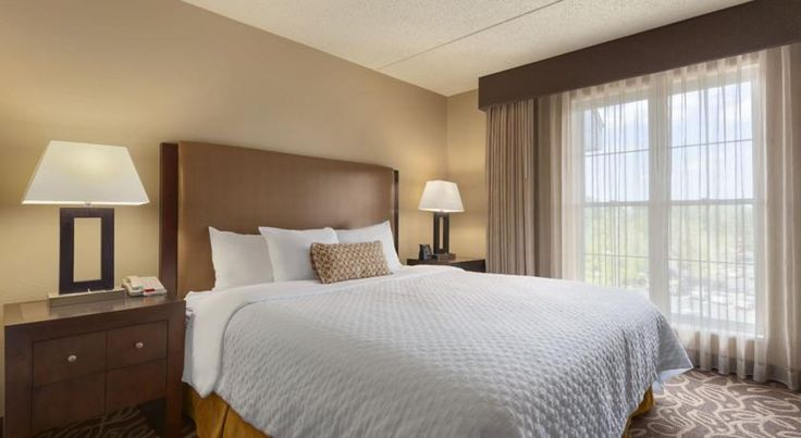 Embassy Suites Pittsburgh - International Airport Coraopolis Just moments from Pittsburgh International Airport, and 15 miles from downtown Pittsburgh, this all-suite hotel in Coraopolis, Pennsylvania offers first-rate amenities and spacious accommodations.