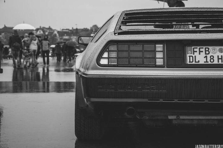 Frühlingsfest 2016 #delorean #dmcdelorean #fruhlingsfest #munich #münchen #germany #carspotting #cars #sportscars #vsco #vh_crop #vsco_hub #vscofeature #vscogang #vscogrid #igersmunich #streetsofmunich #carsofinstagram #instacar...
