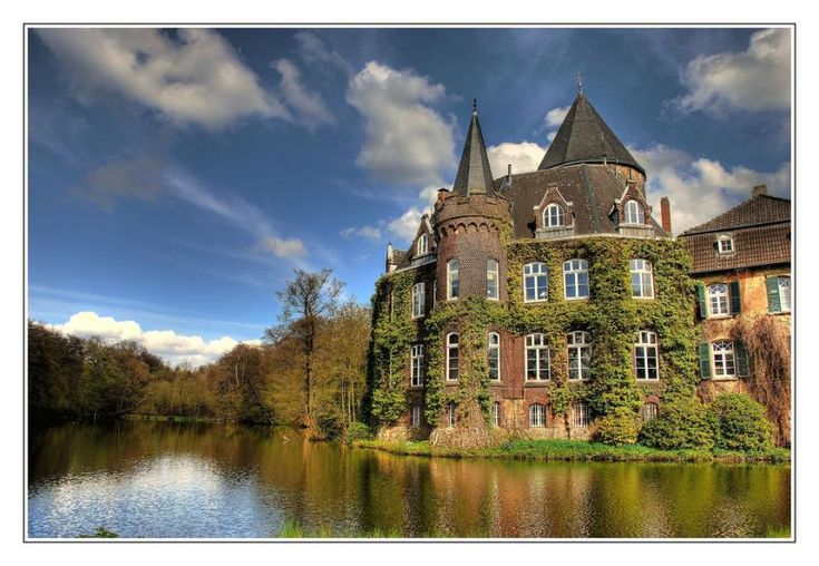Schloss Linnep, Ratingen, Germany