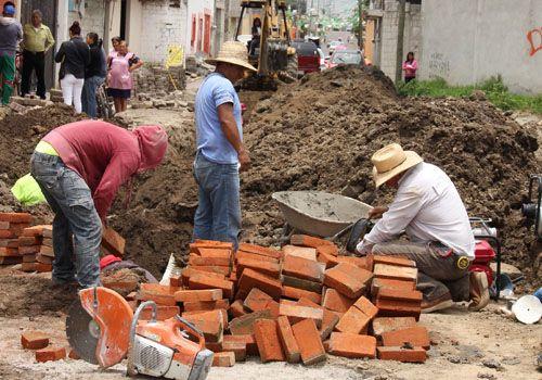 Inician obras de drenaje y adoquinamiento en Zacatelco