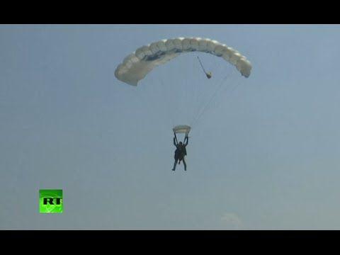 90-летняя пенсионерка совершила прыжок с парашютом в честь дня рождения королевы | МК - Лондон