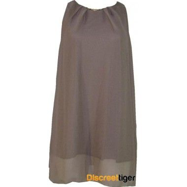 Check out this classically elegant taupe tunic dress, fully lined and made from youryu chiffon it is simply stunning. Imported from the UK, it has a lovely pleated detail on the neckline that is set alight by the attached gold coloured decorative bar. Sitting at the middle of the thigh it can be worn as a dress or with some suitable pants as a top. An essential piece for any woman's wardrobe and suitable for a multitude of different occasions.