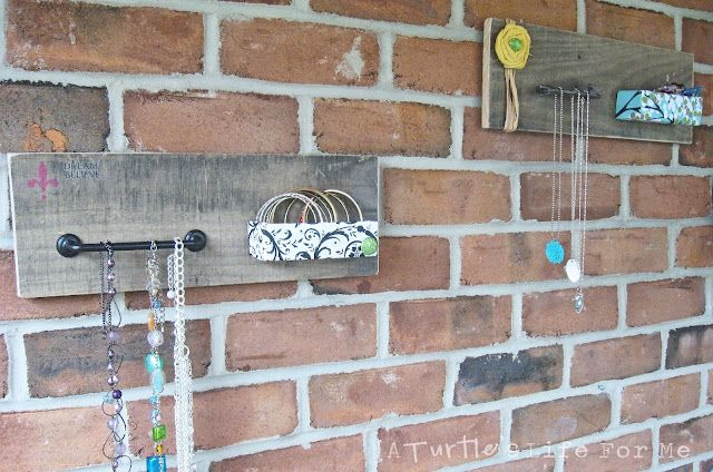 Pallet Wood Jewelry Holder via A Turtle's Life for MeCrafts Ideas, Pallets Jewelry Holders, Diy Crafts, Pallets Wood, Turtles Life, Necklaces Organic, Turtle'S Life, Wood Jewelry, Crafty Ideas