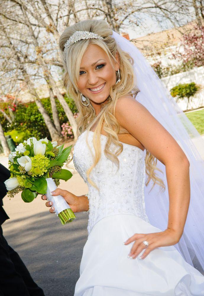 Tremendous 1000 Ideas About Wedding Tiara Veil On Pinterest Bride Groom Short Hairstyles Gunalazisus