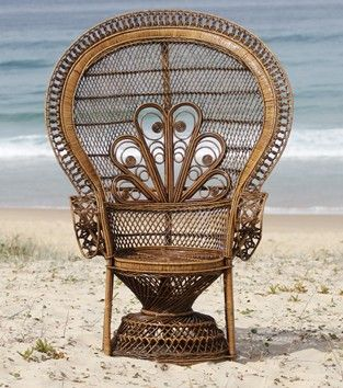 PEACOCK CHAIR, yes I have a thing for peacock chairs. Vintage loveliness.