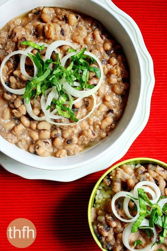 Vegan Black Eyed Peas...can be made in a slow cooker or on the stove-top for a healthy vegan and gluten-free meal that's freezer-friendly too   The Healthy Family and Home