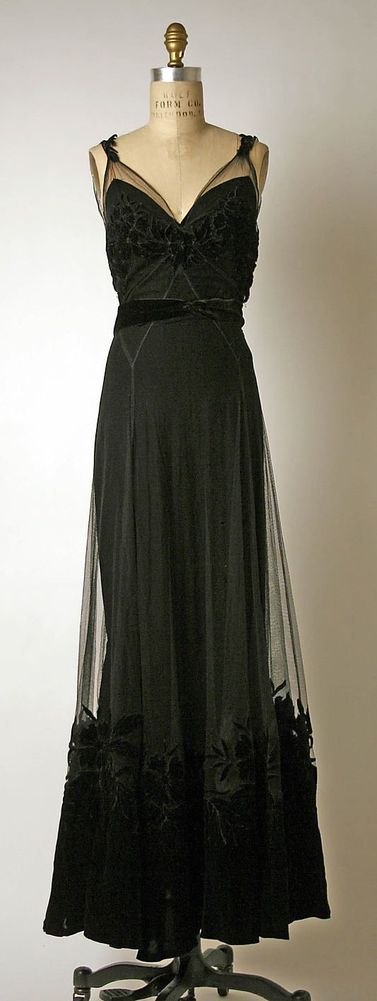 Evening Dress Christian Dior, French ca. 1947 Silk, cotton