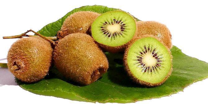 Fructele KIWI scad TENSIUNEA, GRĂSIMILE din sânge și riscul formării de cheaguri | La Taifas