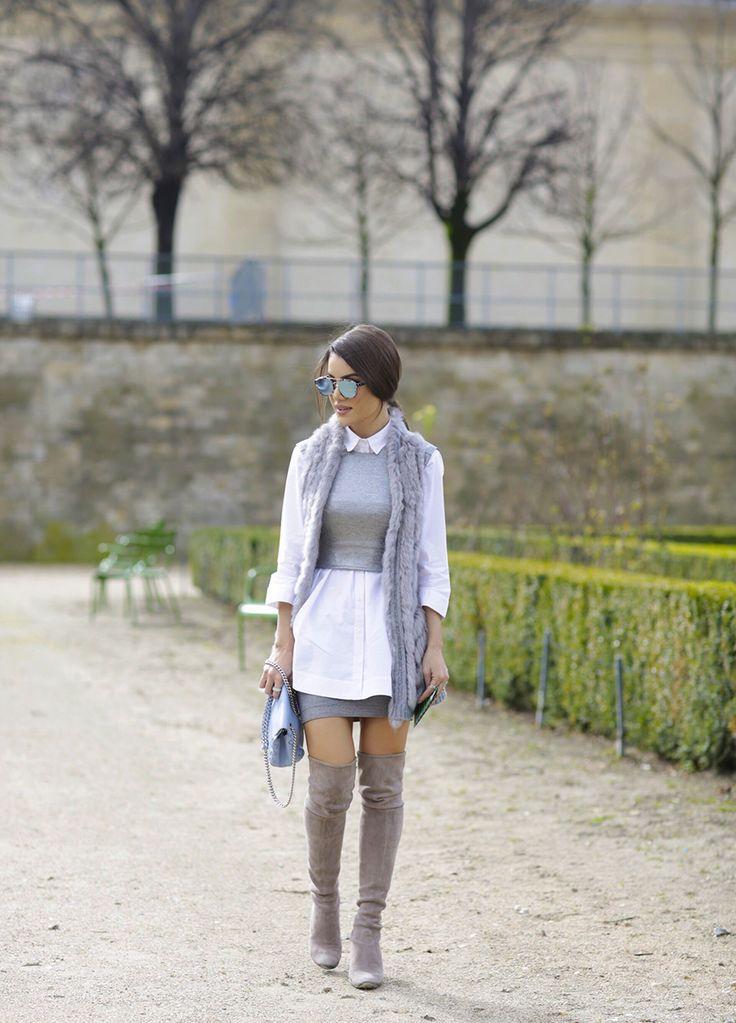 Cinza e branco em look de inverno com bota over the knee