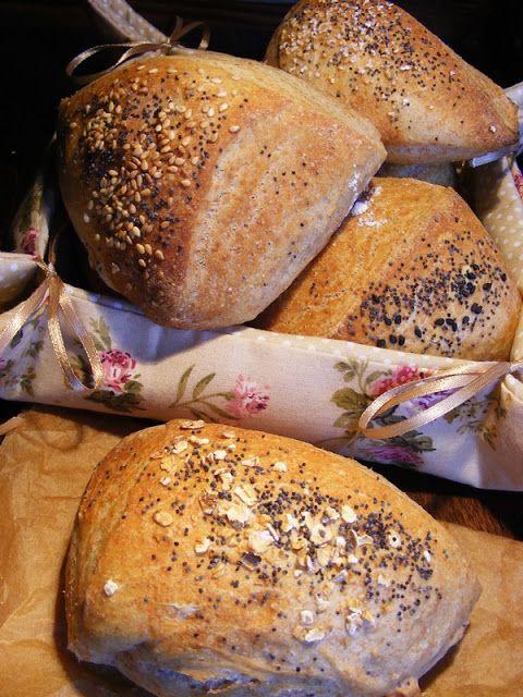 """szeretetrehangoltan: Tönkölyös vágott. A kenyér """"magja""""."""