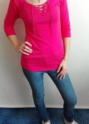 Růžové tričko se šněrováním