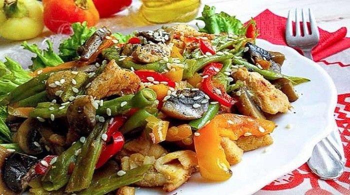 Салаты с грибами и курицей — 6 вкусных салатов | Кулинария ...