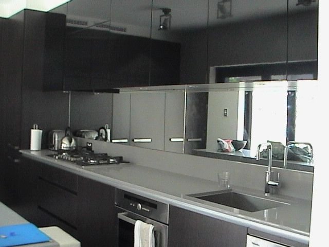 Kitchen Remodel Designs: Kitchen Mirror Splashback