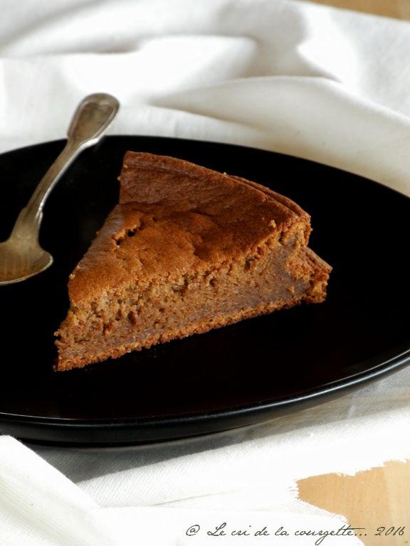 Ce fondant au chocolat est sans beurre. Celui-ci a été remplacé par de la crème végétale d'avoine. Cela donne unfondant plus léger, plus digeste et vraiment bon ! J'ai emprunté les proportions au fondant au ...