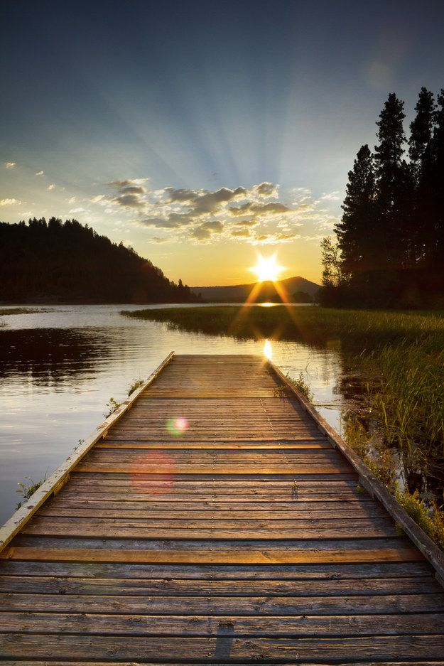 Because there's nothing better than walking to the edge of a lake dock. | 17 Reasons Lakes Are Inherently Superior To Oceans