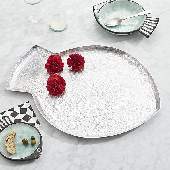 how to clean dining trays