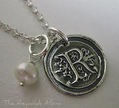 Charm With The Letter R