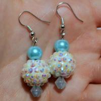 2 Steps to Make Easy Rhinestone Beaded Earrings with Pearls