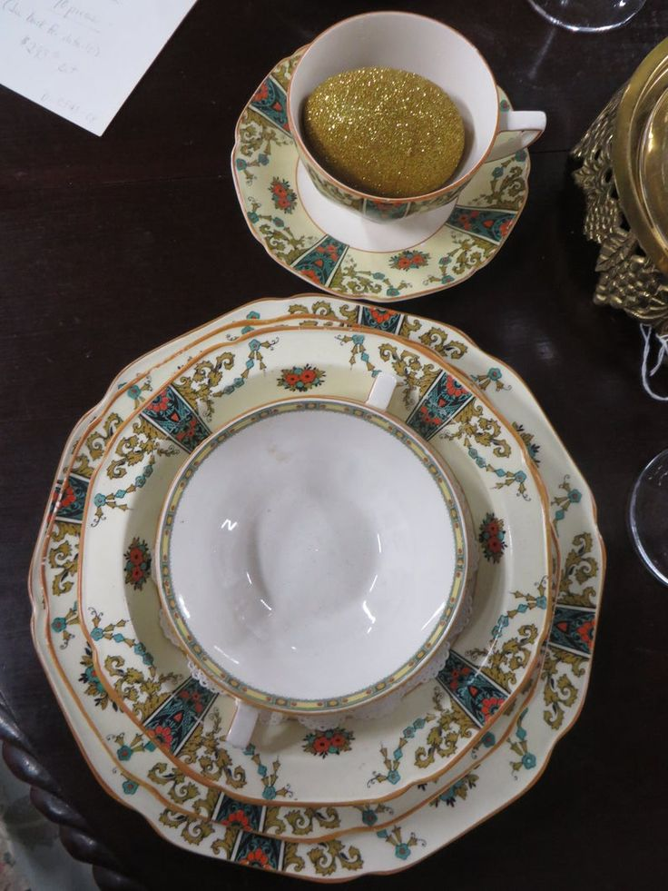 Vintage Crown Ducal English Fine China Service for 8 plus