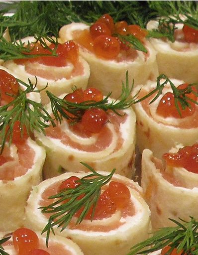 Christmas Appetizer: Salmon Pinwheels #recipe #christmas #appetizer
