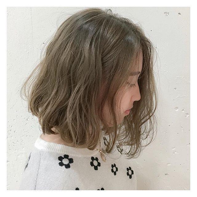 ブルージュカラー✨ 透けるような透明感アッシュベージュですブリーチ1回ですが頑張って綺麗に染まりました#ブルーフェーセス #ブルージュ#ブルーアッシュ #ブルージュ #サロンモデル #サロモ #表参道 #ヘアカラー #透明感カラー #美容学生 #シースルーカラー #ボブ #ハイライト #gradationcolor #cool #gradation #highlight #haircolor #make #hairstyle #color #hair #tokyo #photo