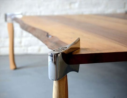 Axe dining table