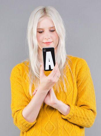 Låt hennes iPhone matcha hennes namn. Finns i bokstäverna A-Z hos www.barabokstaver.se