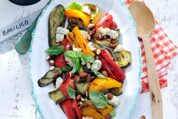Supersnelle salade die 's zomers én 's winters op tafel kan - Recept - Geroosterde groenten met gorgonzola - Allerhande