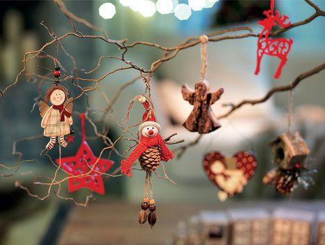 Letos budou frčet tradiční ozdoby, ze kterých si určitě vybere každý (cena od 49 Kč/kus); Kika Nábytek