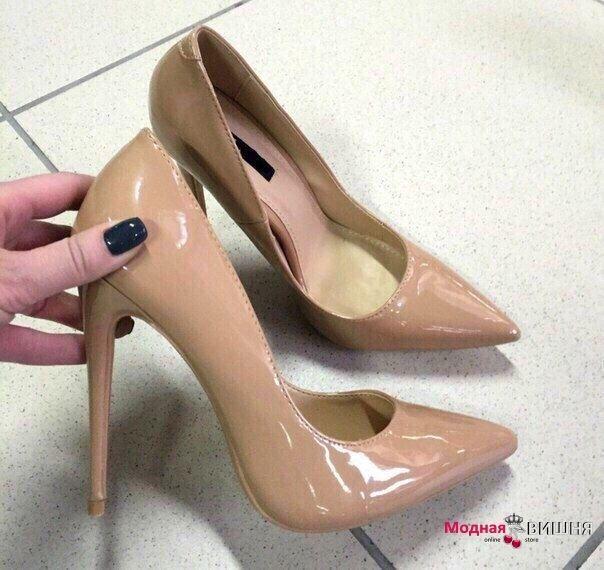 Женские телесные (бежевые) туфли на высоком каблуке