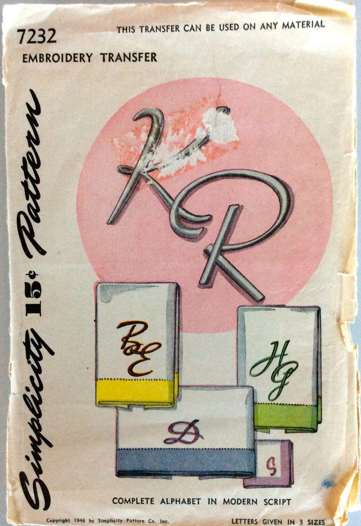 Trasferimento di ricamo vintage anni ' 40 | Completare l'alfabeto in Script moderno | Semplicità 7232 di fashionredemption su Etsy https://www.etsy.com/it/listing/218612806/trasferimento-di-ricamo-vintage-anni-40