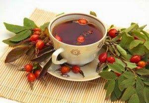 Рябиновый чай Рябиновый чай ценится в народной медицине из-за своего сильного омолаживающего свойства.Для его приготовления надо смешать сушеные ягоды красной рябины и шиповника в равных количеств…