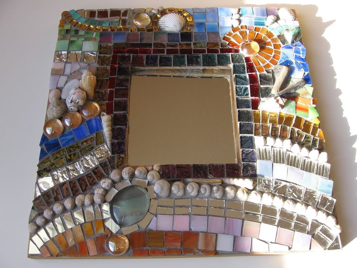 mirror with glas mosaic