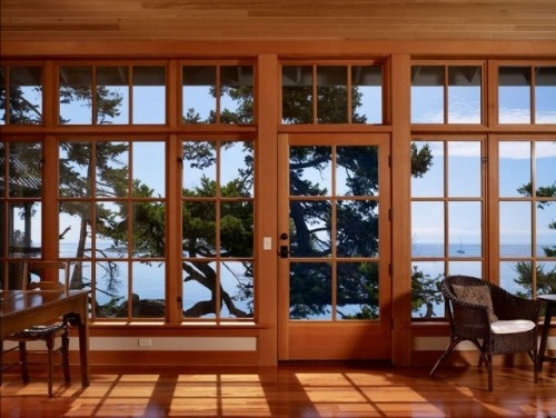 The light and the view!: Wall Of Window, The View, Glasses Wall, Window Design, Exterior Window, Traditional Living Rooms, Window Wall, Red Rooms, Glasses Houses