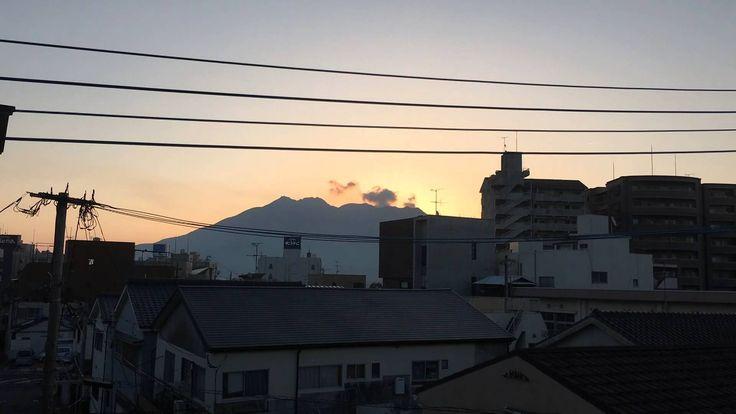 桜島と春彼岸の入りの朝日をiPhone 6s plus のタイムラプスで