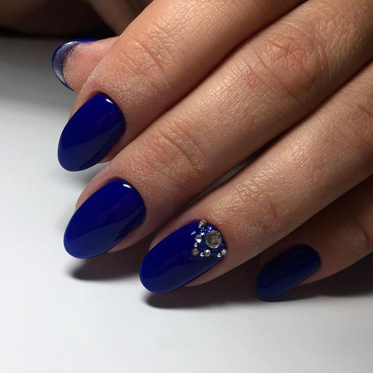 Beautiful new year's nail, Bright- blue nails, Christmas nails, Evening nails, Festive nails, Manicure 2017, Nail polish for blue dress, New Year nails 2017