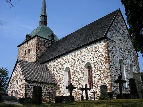 Sunds kyrka - Beautiful 13th century church of Sund on Åland's main island. Photo DINau