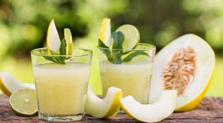 Яблочно-дынный напиток с лаймом и мятой