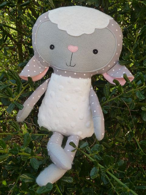 * Dolls And Daydreams - Doll And Softie PDF Sewing Patterns: Handmade Easter: Lovely Lambs & Black Sheep Made By You!