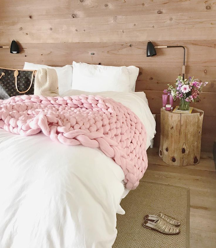 """14.4k Likes, 207 Comments - Rach Parcell (Pink Peonies) (@rachparcell) on Instagram: """"Made it to a dreamy and cozy inn to relax for a few days with @ole_henriksen!! ✨ #hyggetime…"""""""