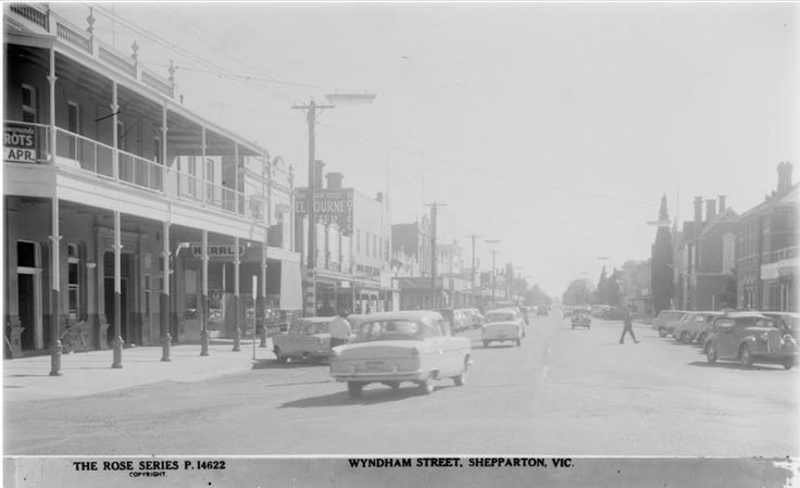 Wyndham Street Shepparton showing the former Shepparton Hotel and Court House Hotel.