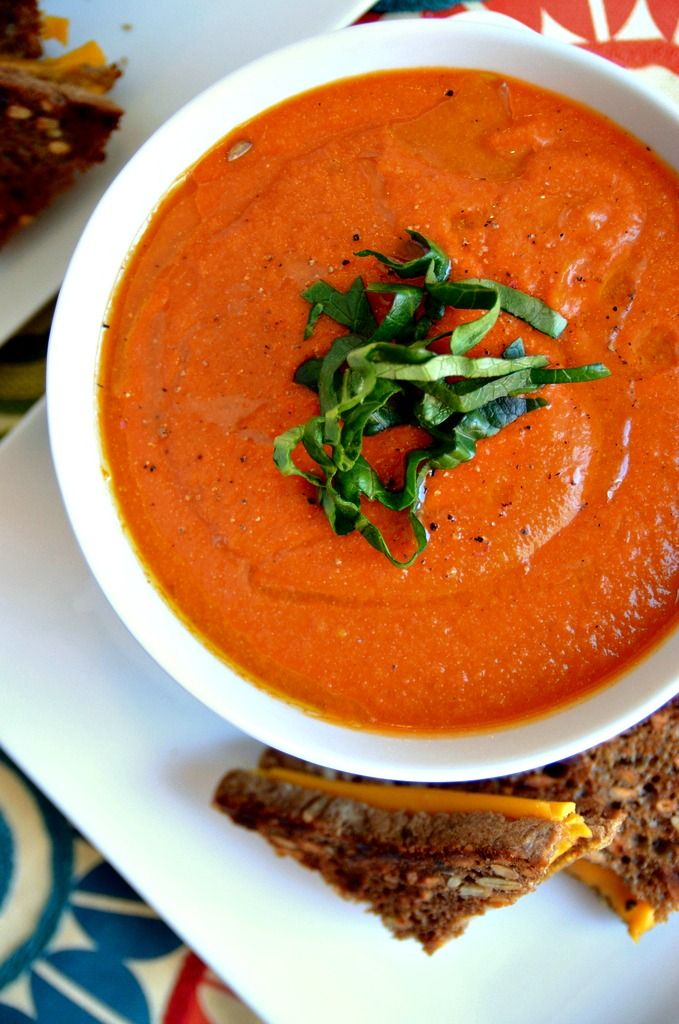 Dreamy Vegan Creamy Tomato Soup (with cauliflower and brewers yeast)