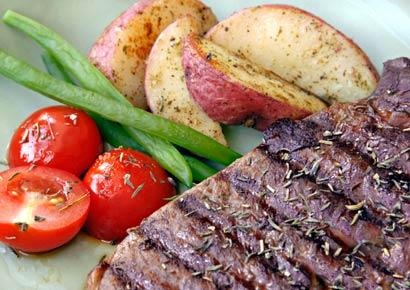 Get gourmet on the grill with this recipe for Italian Flank Steak with Roma Tomatoes: Roma Tomatoes, Gourmet Food, Recipes Food, Italian Flank, Beef Maine, Healthy Food, Healthy Recipes, Grilled Recipes, Flank Steaks