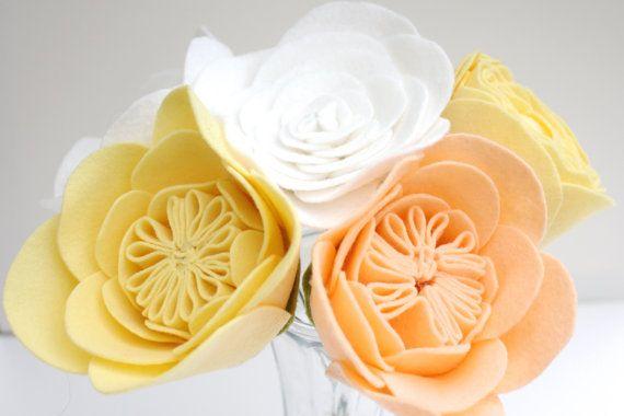Персик, Масло и Белый букет, войлочными цветами, Войлок Свадебный букет, День матери Цветы, Подарок на юбилей, подарок на день рождения