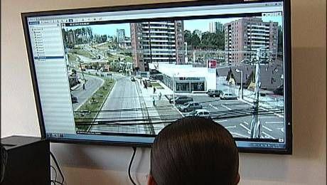 Avigilon Seguridad Cuidadana Megapixel  http://www.soychile.cl/Concepcion/Sociedad/2014/12/04/291388/San-Pedro-de-la-Paz-11-camaras-reforzaran-la-seguridad-de-la-comuna.aspx