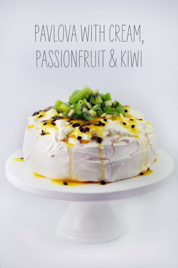 Pavlova with Cream, Passionfruit and Kiwi