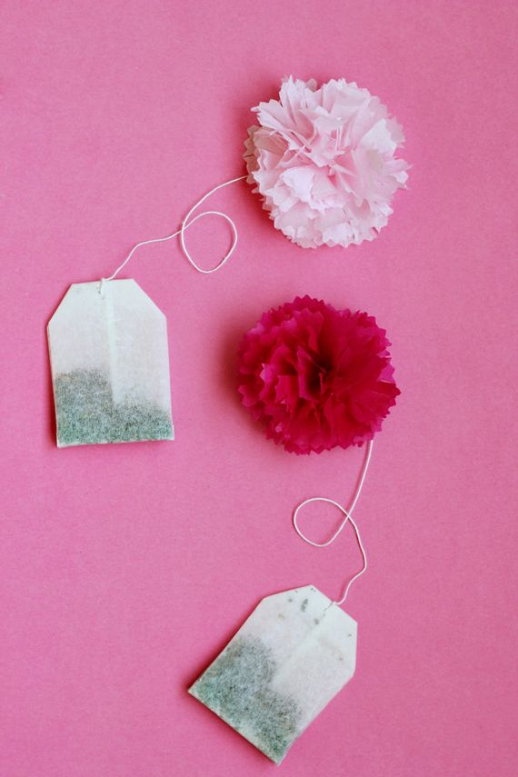 DIY Tea Poms tutorial: Mother's Day Brunch Idea (... a gorgeous & easy tissue paper flower for any time of year).