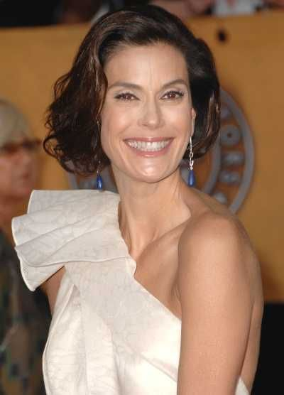 Teri Hatchers elegant hairstyle at the 15th Annual Screen Actors Guild Awards
