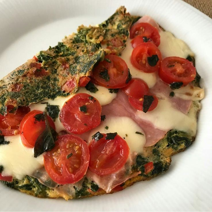 This is a good idea without jam. Omelette : spinach,tomato, cheese,pepper and onion   (Omelet de espinaca, tomate y queso )
