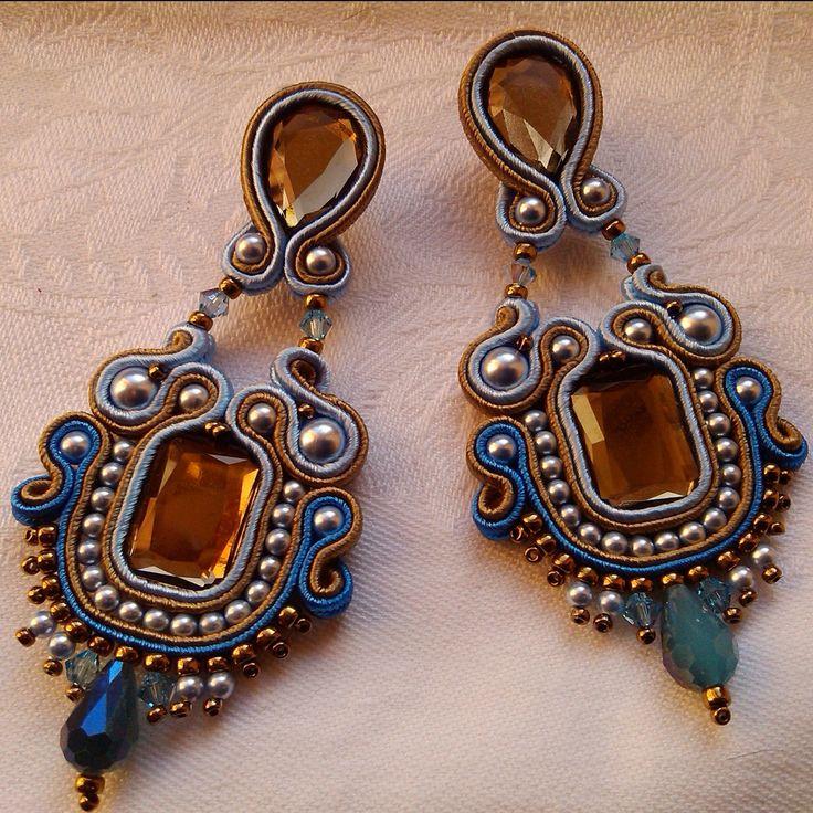 EARRINGS ROYAL,Soutache earrings, handmade jewelry, made in Italy, orecchini,light blue,bronze,italian jewel,Swarovski elements,pin earrings di MuciddosBeads su Etsy